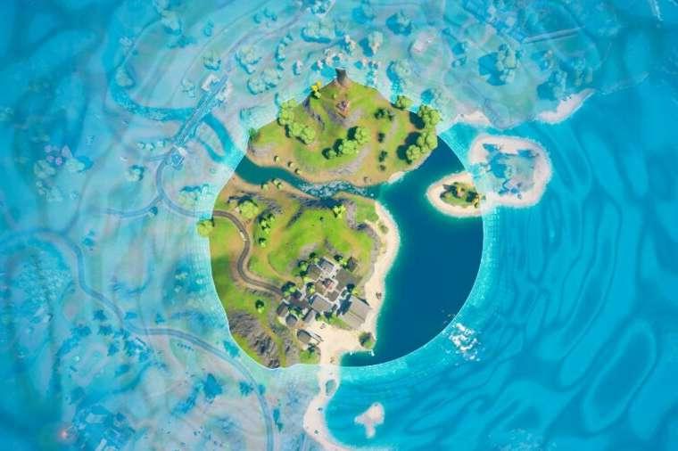 A Storm Circle closing in in Fortnite