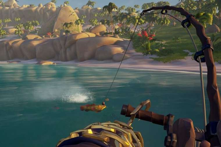 A player catching a fish in Sea of thieves.