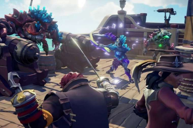 Ocean Crawlers attacking in Sea of Thieves.